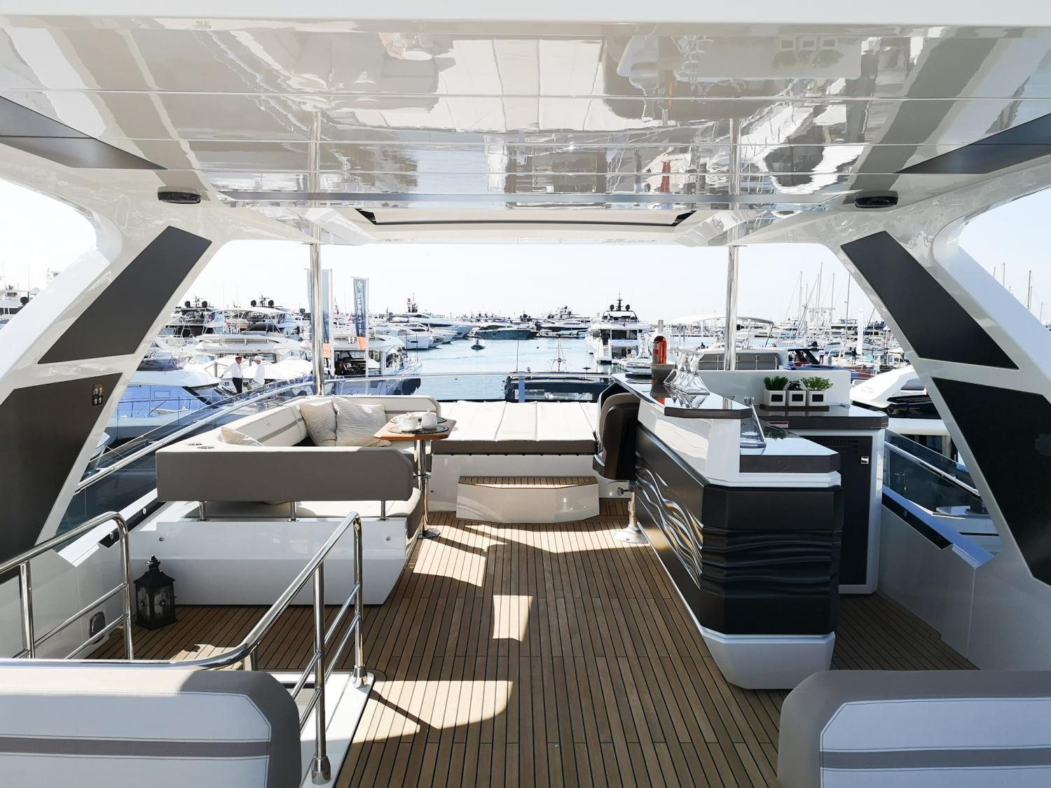 Image 3 for Galeon Yachts new model awarded for design and innovation