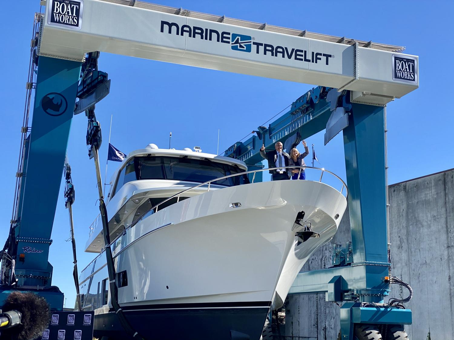 Image 2 for Mayor Cuts The Ribbon On World-Class Superyacht Yard